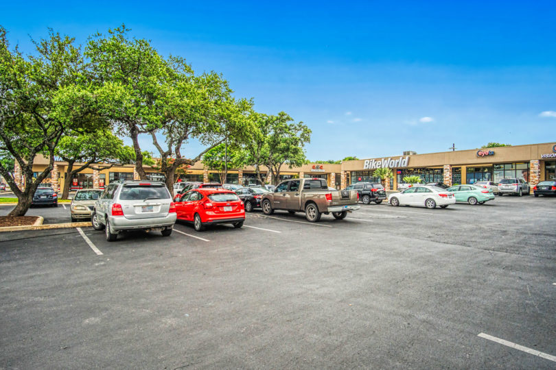 Village Pointe Shopping Center Gallery Image